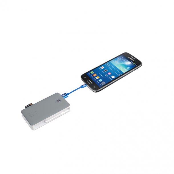 Xtorm - Travel 6000 mAh Powerbank m. Lightning Cable
